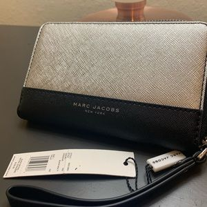 NEW Marc Jacobs Wristlet/wallet